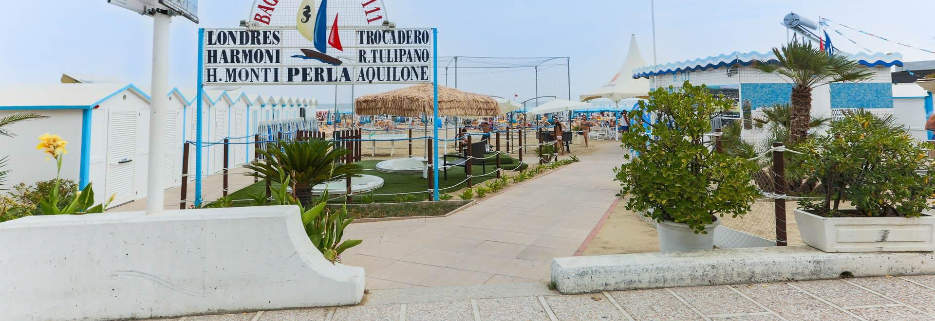 hotel 3 stelle con spiaggia inclusa riccione servizi