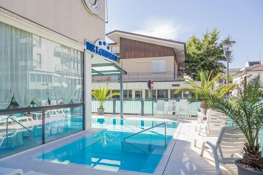 Hotel riccione con piscina riscaldata hotel 3 stelle con idromassaggio riccione - Hotel con piscina riscaldata montagna ...